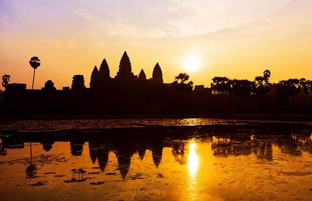 Angkor Sunrise Cycling Tour